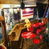 ハワイアン スポーツバーにベンチ作りました。