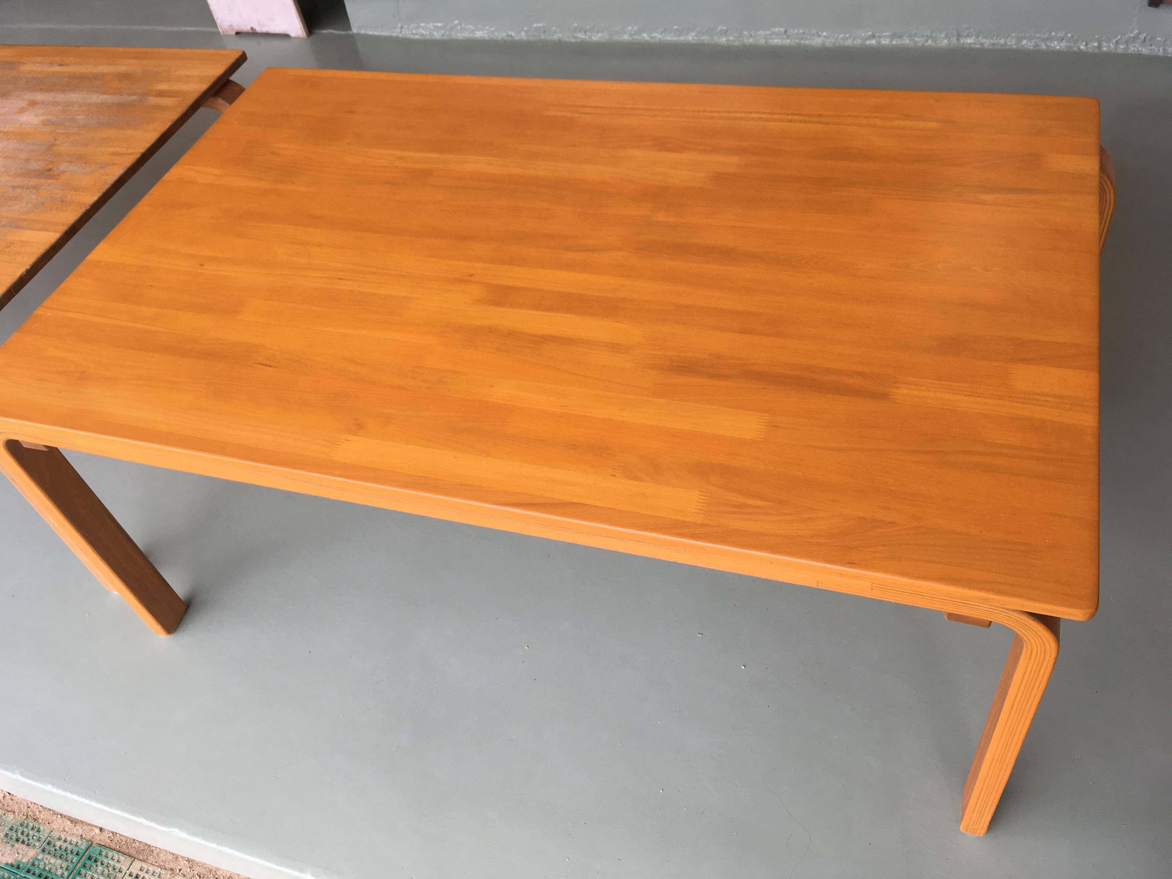 保育園のテーブルをリペアしました。